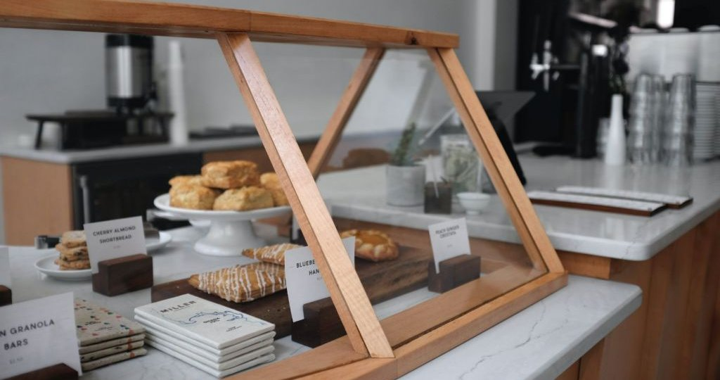 Bakery-window-Essential Elements of Bakery Order management